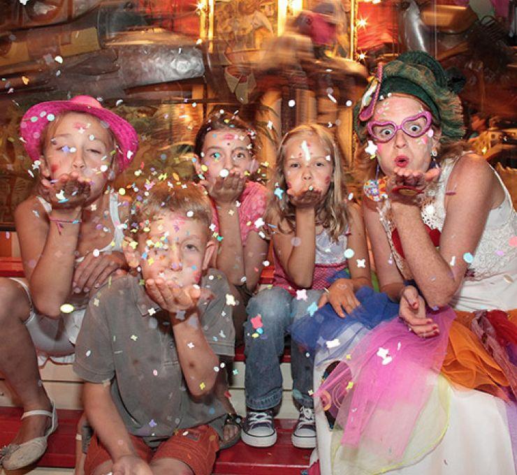 "When the marionette makes the ""Bonheur des Mômes""- (""Make Kids Happy"")"