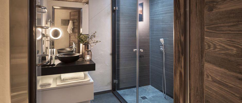 The bathroom of the apartment - Le Cristal de Jade in Chamonix